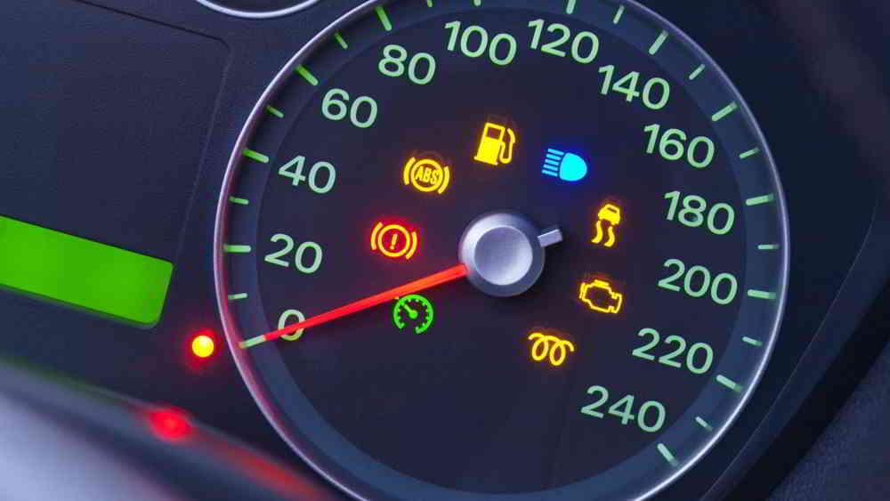 Kontrolki w samochodzie - sprawdź co oznaczają