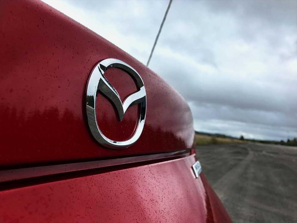 Elektryczna Mazda z silnikiem Wankla