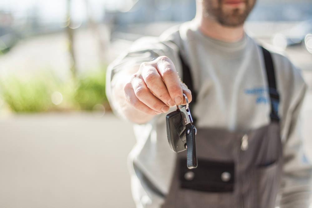 Kup samochód z drugiej ręki od dealera!