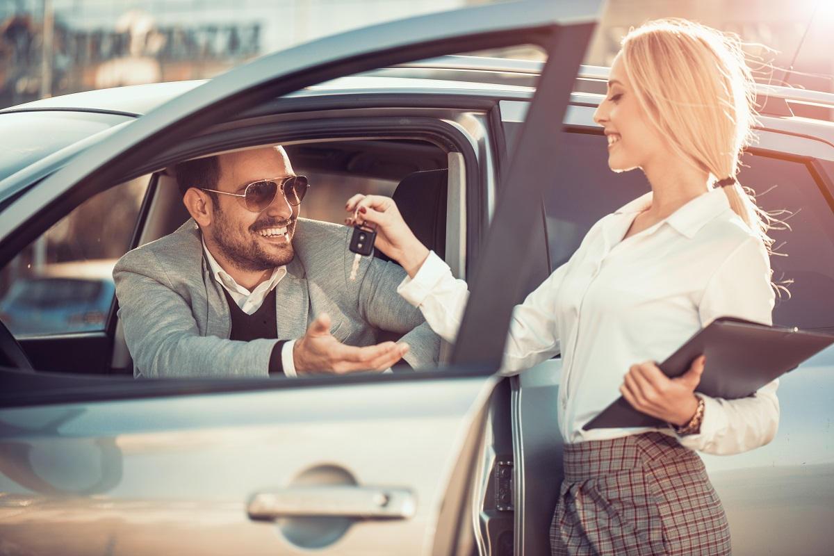 Jak bezpiecznie wypożyczyć samochód?